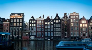 Картинка города амстердам+ нидерланды канал дома катера