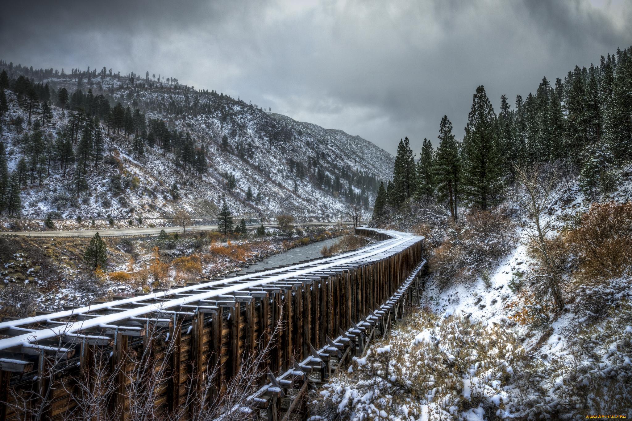 Обрыв горы поезд осень загрузить