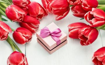 Картинка праздничные международный+женский+день+-+8+марта цветы red tulips тюльпаны 8 марта romantic gift красные colorful love