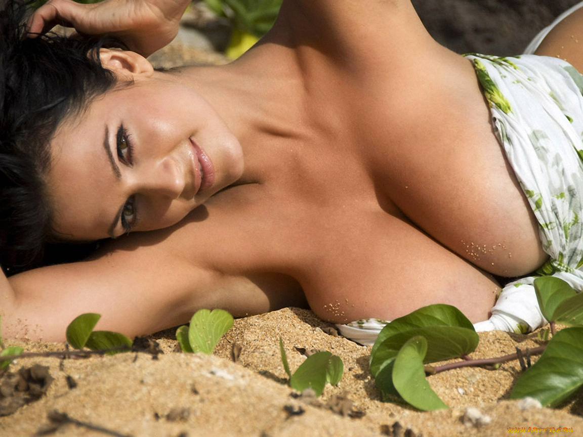Denise milani nude photos
