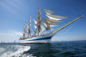 Картинка корабли парусники паруса судно яхта море