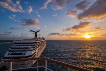 Картинка корабли лайнеры океан горизонт круиз
