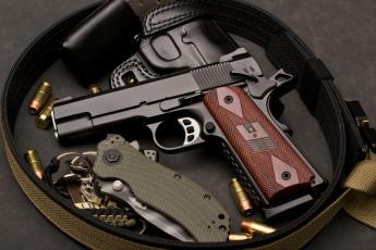 Автомат, нож и пистолет  № 3465010 бесплатно