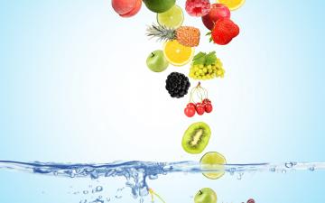 обоя еда, фрукты,  ягоды, вода, пузырьки, вишня, ягоды, малина, фон, голубой, лимон, яблоки, кокос, киви, клубника, виноград, сверху, лайм, персики, падают