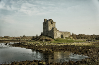 Картинка dunguaire+castle+in+kinvara +county+galway +ireland города замок+дангвайр+ ирландия dunguaire castle in kinvara county galway ireland