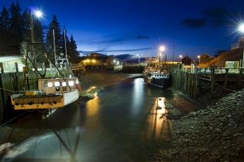Картинка halls harbour canada канада ночь суда река дома причалы