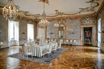 обоя интерьер, дворцы,  музеи, столовая, люстры, канделябры, сервировка