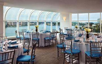 обоя интерьер, кафе,  рестораны,  отели, веранда, обзор, столики, сервировка