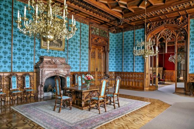 Обои картинки фото интерьер, дворцы,  музеи, камин, люстры