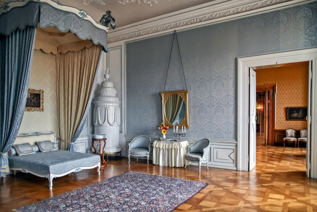 Обои картинки фото интерьер, дворцы,  музеи, спальня, кровать, зеркало