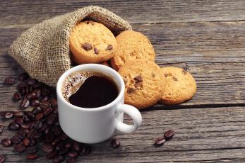 Картинка еда кофе +кофейные+зёрна кофейные зёрна стол кружка напиток шоколад овсяное печенье
