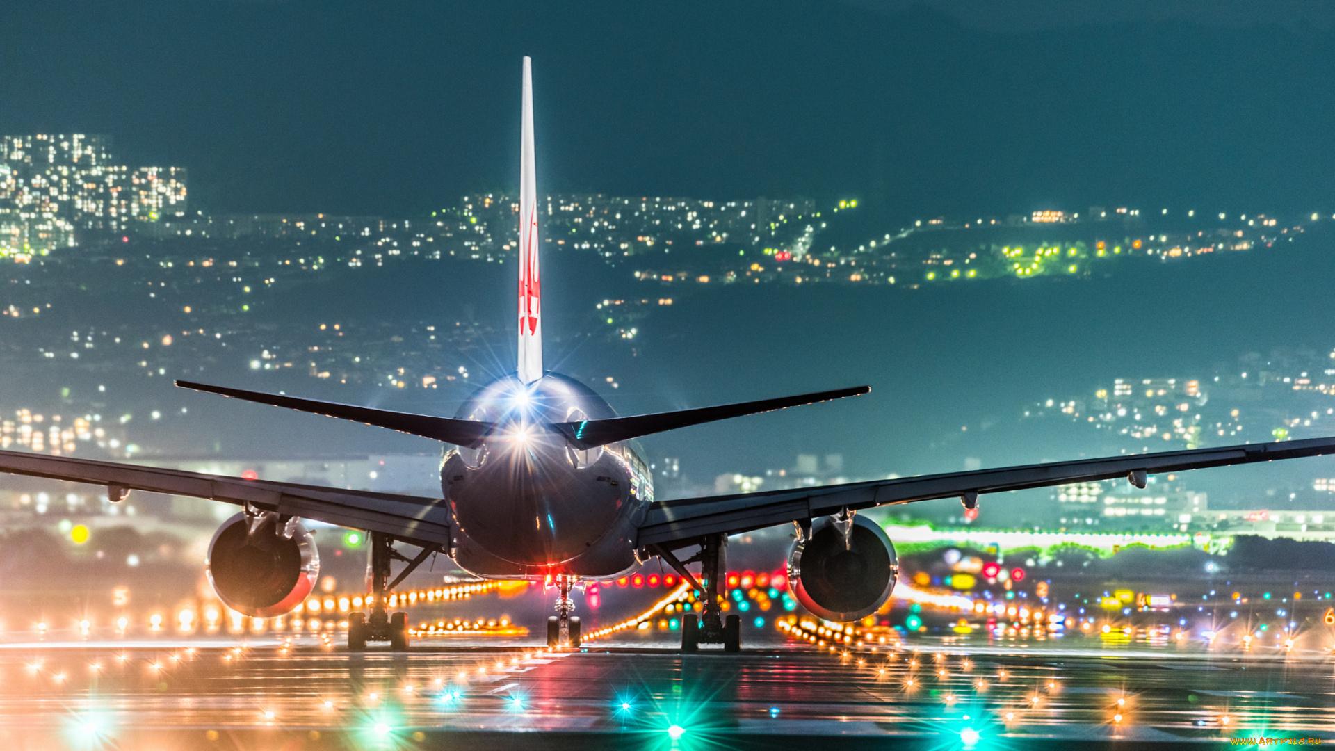 действительно картинка с удачным полетом на самолете занимается строительством