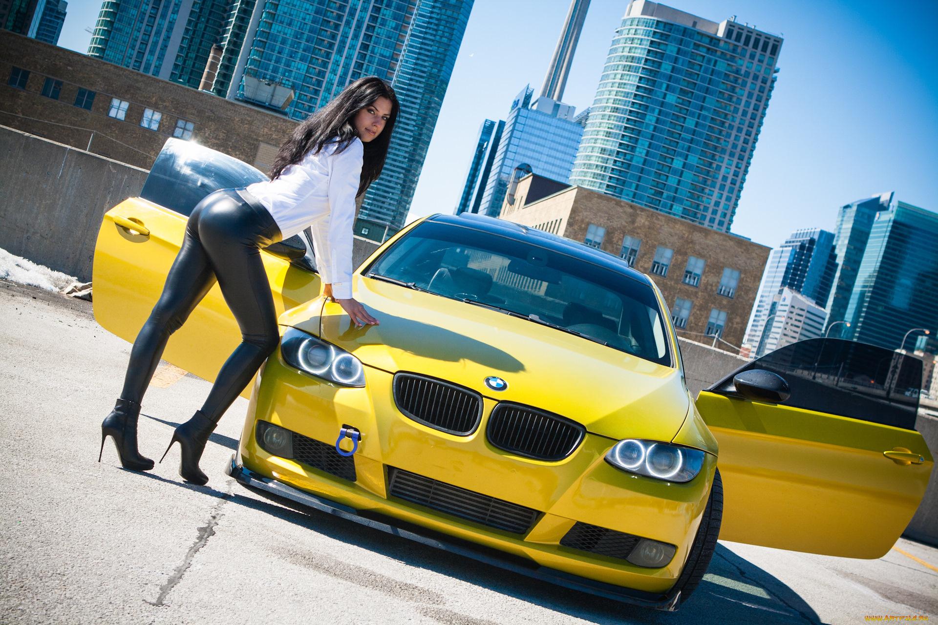 Фото авто девки, Сексуальные девушки и автомобили 15 фотография