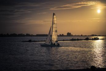Картинка корабли Яхты парус солнце