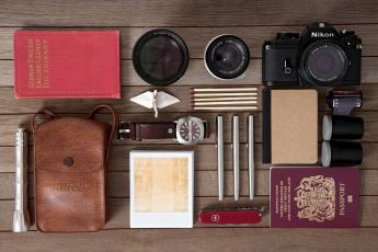 Картинка разное предметы быта паспорт часы спички фотоаппарат объектив ручки