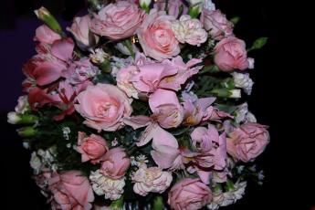 обоя цветы, букеты,  композиции, гвоздика, розы, альстромерия