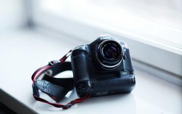 обоя бренды, canon, кэнон, 1d, mark, ii, фотоаппарат, камера, ремень, окно, подоконник