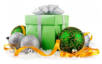 Картинка праздничные подарки+и+коробочки new year christmas decoration balls snow новый год украшения шары
