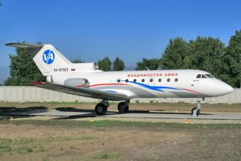 обоя Як-40, авиация, памятники авиационных изделий, самолёт