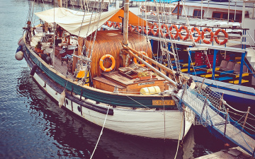 обоя корабли, баркасы ,  буксиры, трап, навес