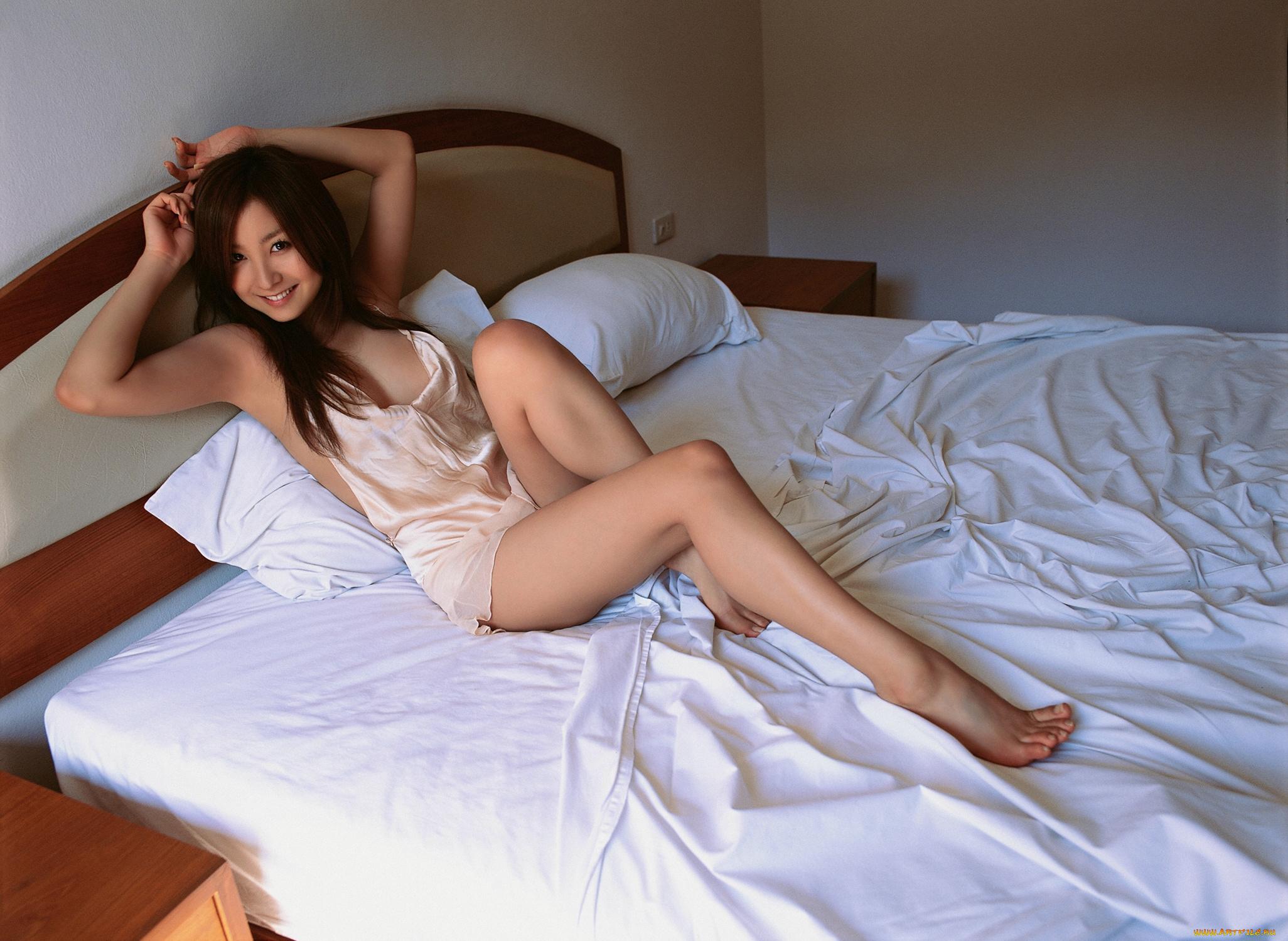 Красивые девушки в кровати частное — img 15