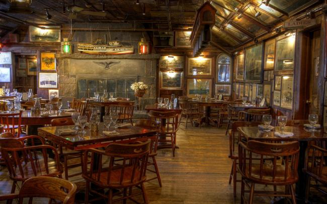 Обои картинки фото интерьер, кафе,  рестораны,  отели, морское, фонари, макет, картины