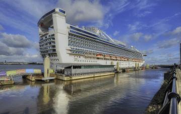 Картинка caribbean princess корабли лайнеры лайнер корма причал