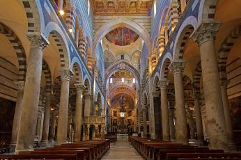 обоя интерьер, убранство,  роспись храма, пиза, италия, тоскана, кафедральный, собор, неф, колонны, скамья, религия