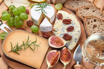 Картинка еда сырные+изделия хлеб виноград орехи зелень инжир сыр