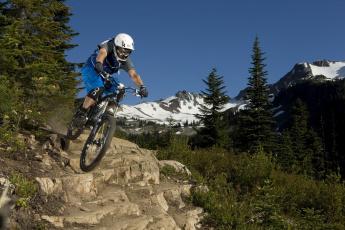 Картинка спорт велоспорт снег downhill mtb горы лес
