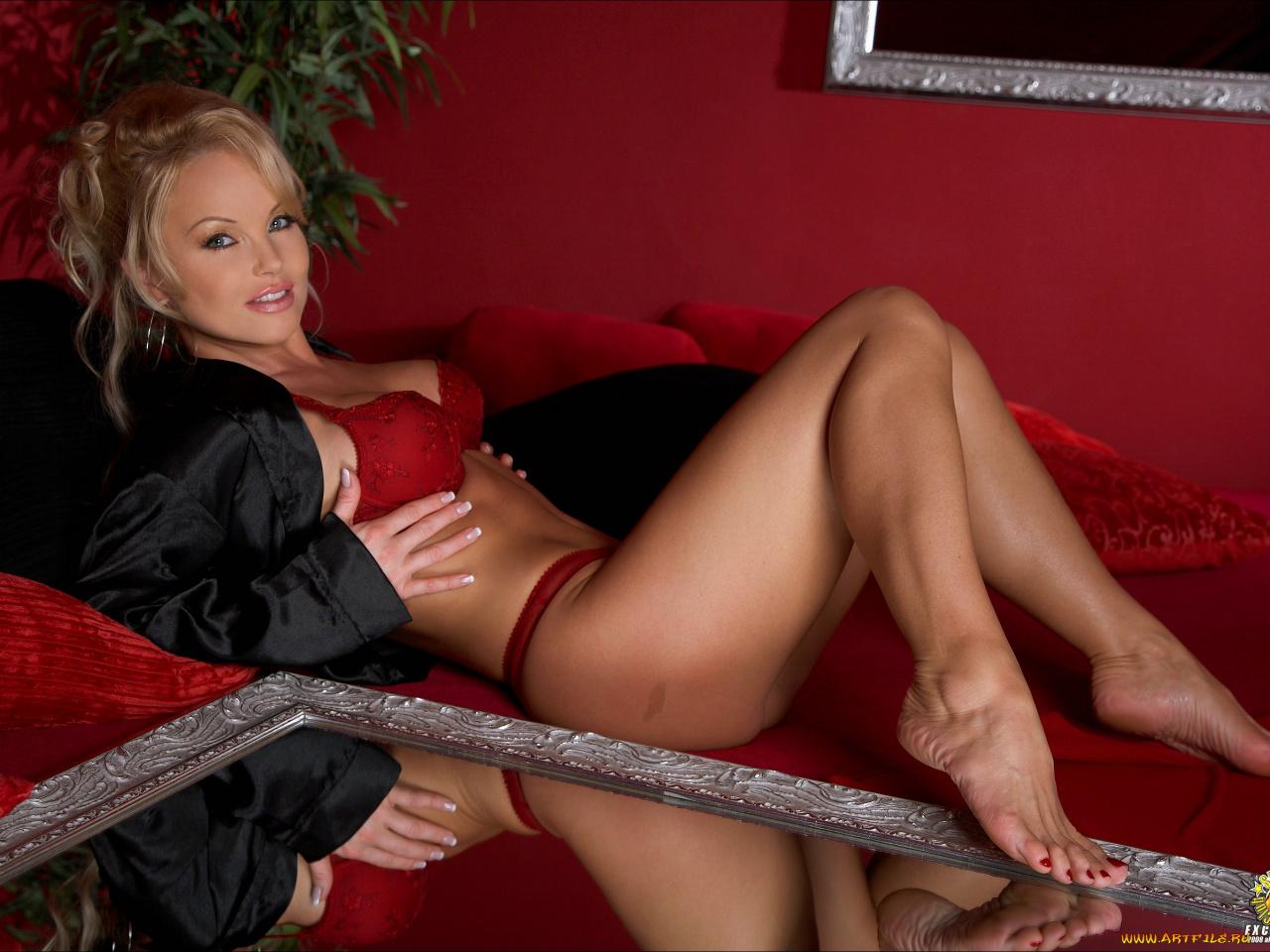 эротические ножки красивых женщин за 50 а