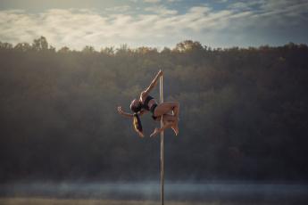 обоя спорт, гимнастика, небо