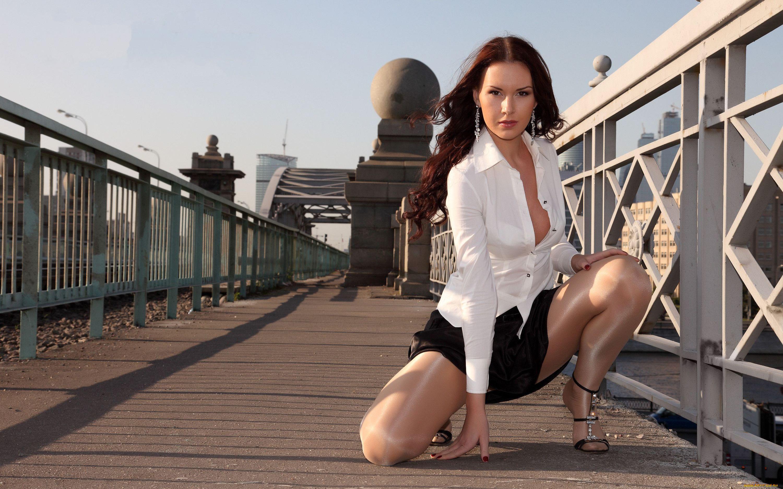 Русская в очень короткой юбке, Юбка 15 фотография