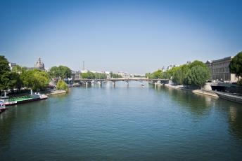 обоя города, париж , франция, сена, мост, башня, париж, деревья, небо, река