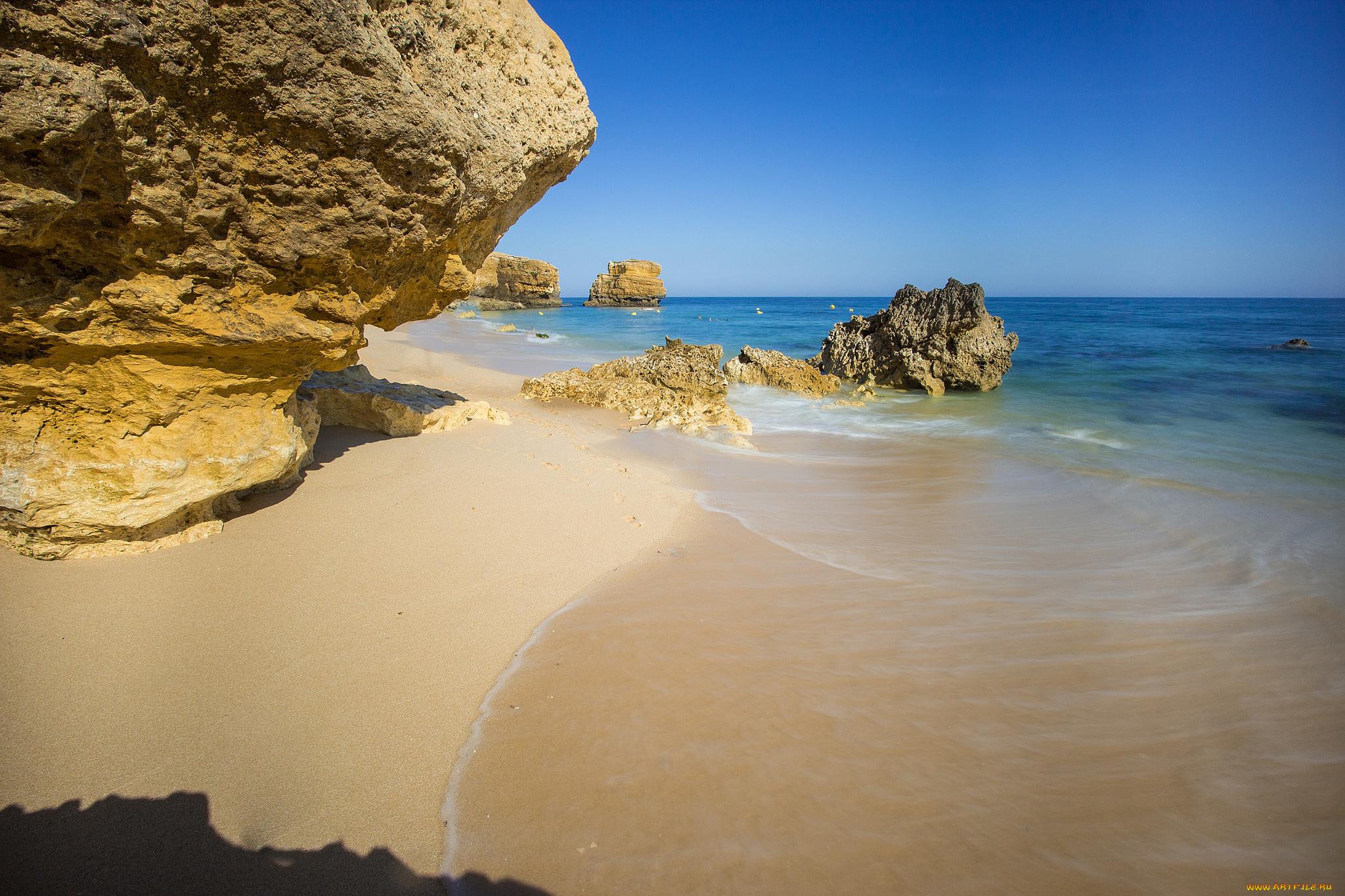 скалы берег песок  № 1185443 бесплатно