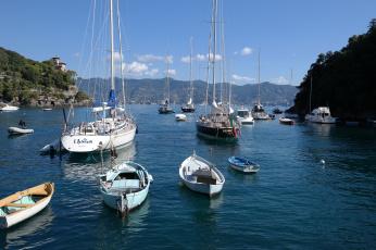 Картинка корабли разные+вместе италия лодки яхты горы море вход в бухту портофино лигурия