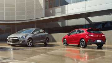 обоя chevrolet cruze and cruze hatchback 2019, автомобили, chevrolet, cruze, hatchback, 2019
