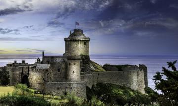обоя fort-la-latte, города, - дворцы,  замки,  крепости, фортпост