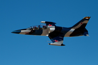 Картинка 39 авиация боевые самолёты учебно-тренировочный истребитель