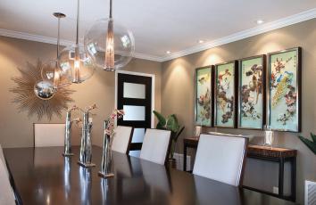 Картинка интерьер столовая картины люстры мебель дизайн стиль