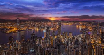 Картинка города гонконг+ китай victoria harbour бухта виктория china закат ночной город гонконг здания небоскрёбы панорама hong kong