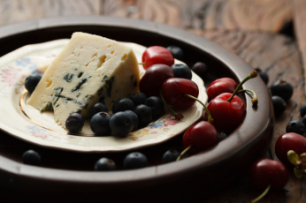 Картинка еда разное ягоды сыр голубика черешня