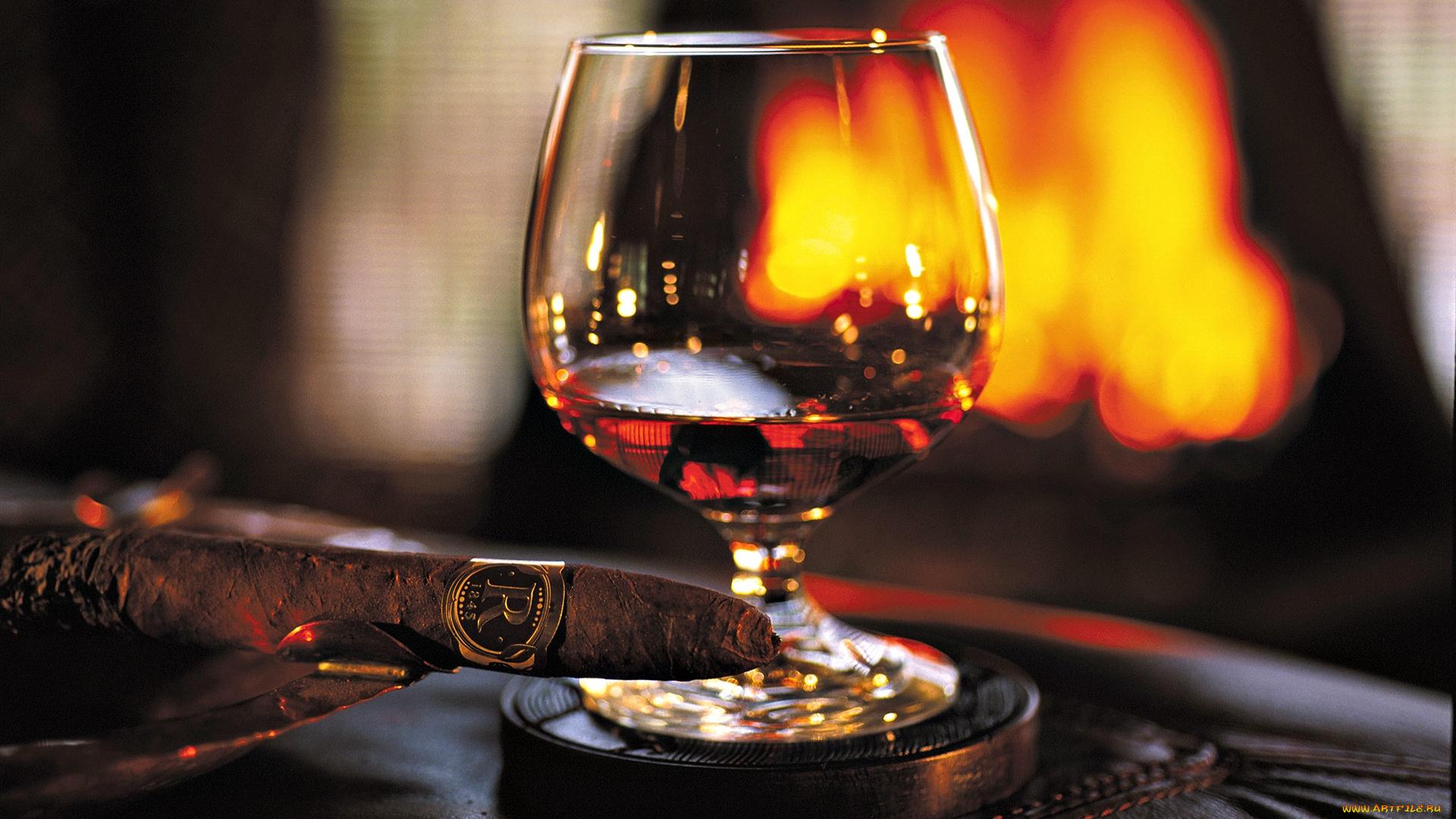 Своими, поздравительная открытка виски сигары