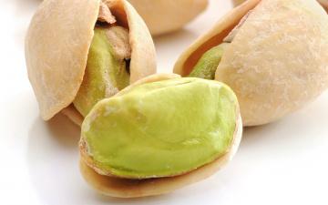 Картинка соленые орешки еда орехи каштаны соль скорлупа ядра