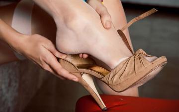 Картинка разное одежда обувь текстиль экипировка ножка босоножки