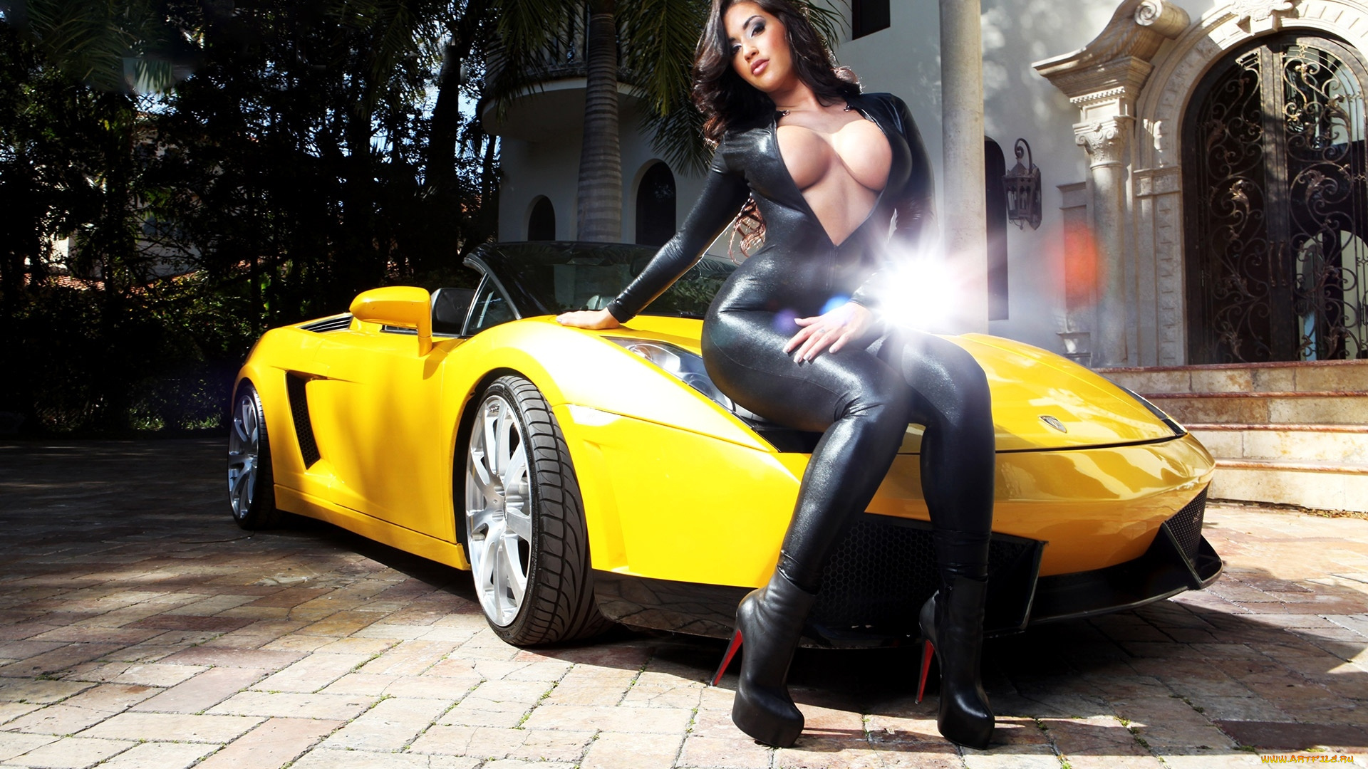 masked men are banging two slutty babes on the car  504473