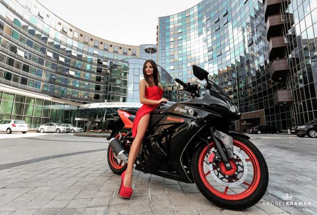 Обои картинки фото moto girl 47, мотоциклы, мото с девушкой, girls, moto