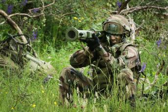 обоя оружие, армия, спецназ, солдат, french, army, anti-tank, weapon