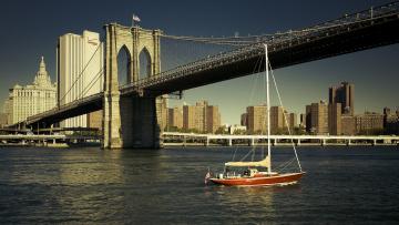 Картинка brooklyn+bridge +new+york+city корабли Яхты brooklyn bridge new york city east river бруклинский мост нью-йорк ист-ривер яхта река здания