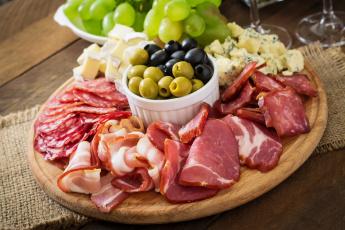 обоя еда, мясные блюда, маслины, оливки, поднос, колбаса, виноград